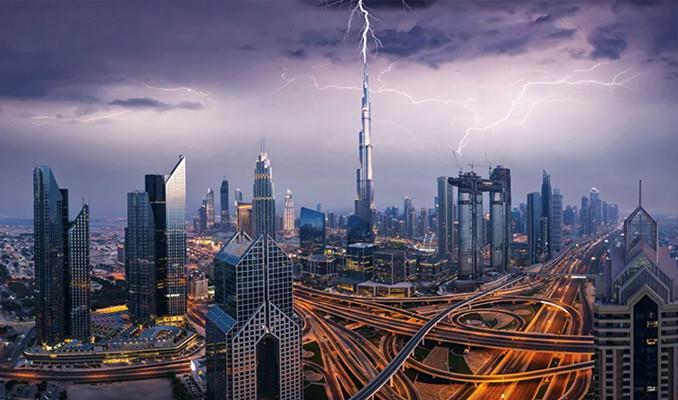 Dubai'de yapay yağmur yağdırıldı