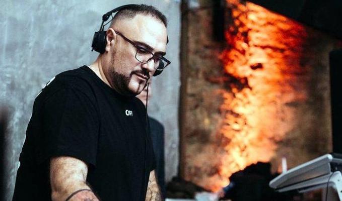 Dünyaca ünlü DJ Karagounis elektrik çarpması sonucu öldü