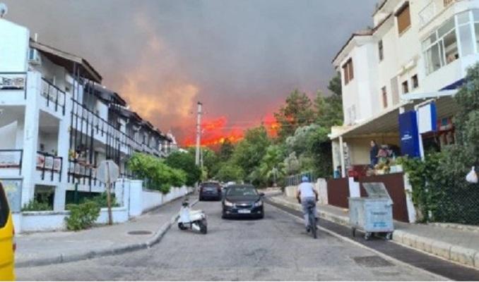 Bir yangın da Marmaris'te: Müdahale sürüyor