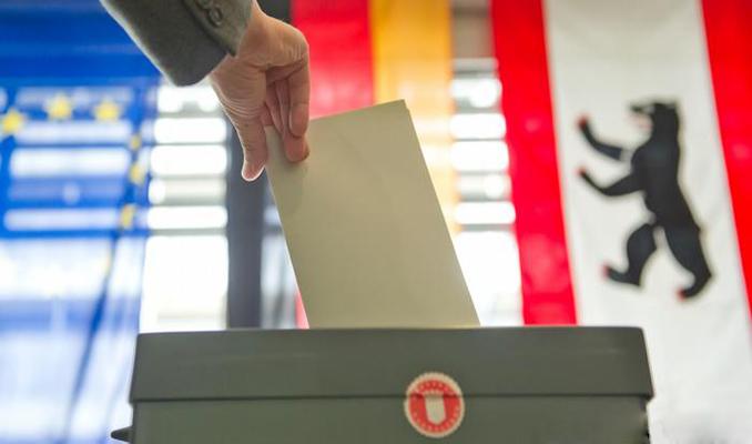Seçimler Almanya'da taşları yerinden oynatacak