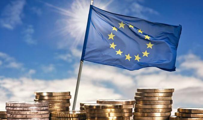Euro Bölgesi'nde büyümenin yavaşlaması bekleniyor