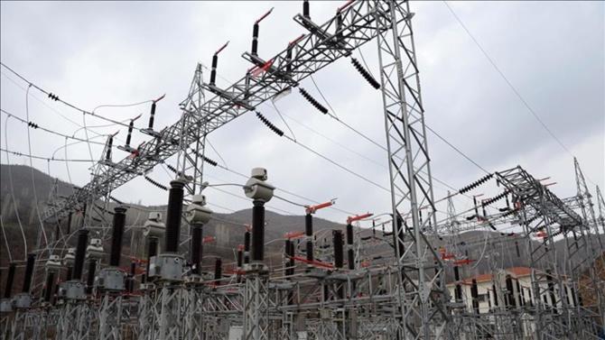Almanya'da 300 bin hane elektriksiz kaldı