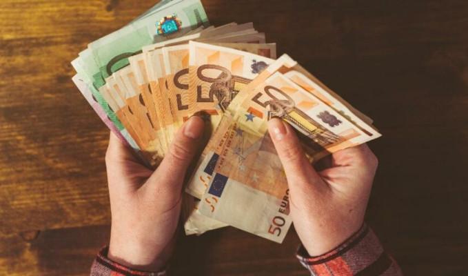 Varlık alımı azaltımları euroyu destekliyor