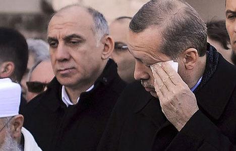 Başbakan gözyaşlarını tutamadı