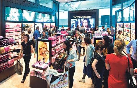 Havaalanına 'Victoria's Secret' indi