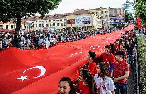 1919 metrelik dev Türk bayrağı
