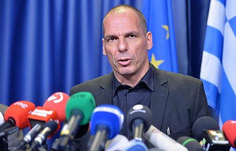Yunanistan Maliye Bakanı Varoufakis istifa etti!